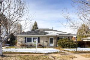 815 S Cove Way Denver CO 80209-large-001-1-Exterior Front-1498x1000-72dpi